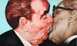Brezhnev-honeckerkiss,re-painted-panoramio